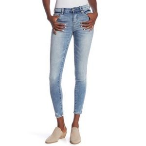 BlankNYC Light Wash Mid Rise Skinny Jeans CROPPED